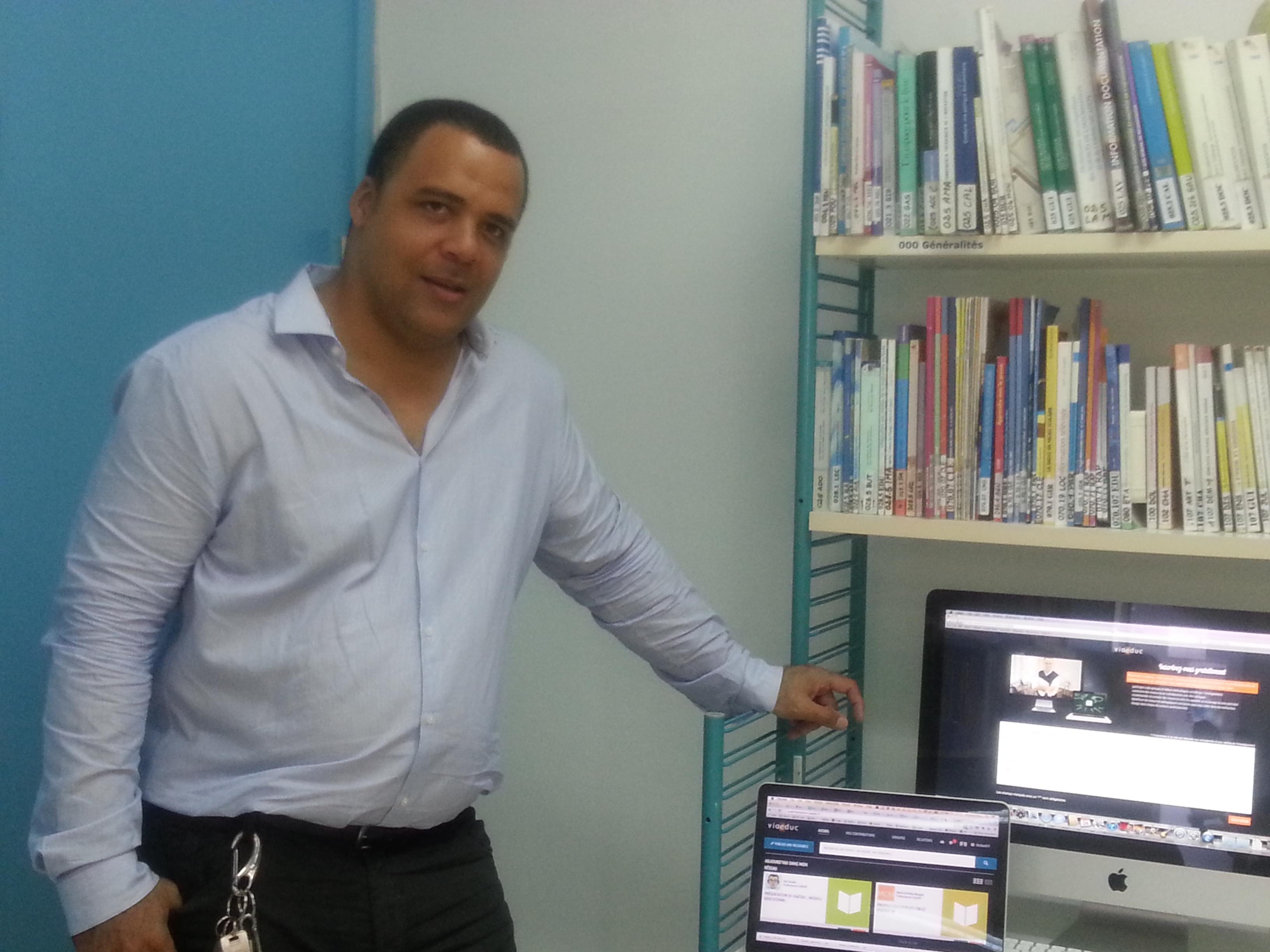 M. Richard Placide animant l'atelier Viaéduc