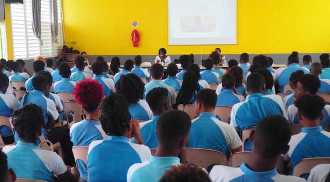 Conférence – débat de Mme Hulo Guillabert au Lycée du François